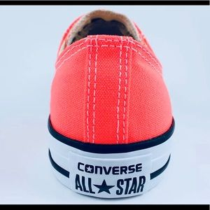 Brand New in Box Converse Woman size 11 Men size 9